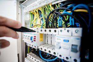 Electrician in Kent